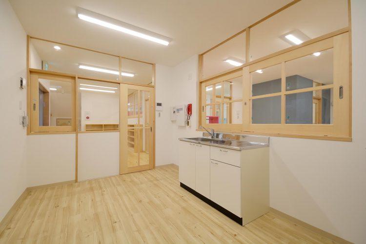 名古屋市守山区の保育園 1階事務室