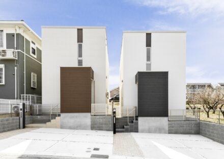 名古屋市緑区の戸建賃貸住宅のシンプルでスタイリッシュな外観デザイン