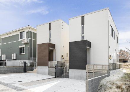 名古屋市緑区の戸建賃貸住宅の色違いの外観デザイン