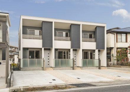 愛知県長久手市のメゾネット賃貸アパートのスタイリッシュな外観デザイン