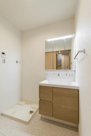 名古屋市中川区のメゾネット賃貸アパートのナチュラルテイスト洗面室
