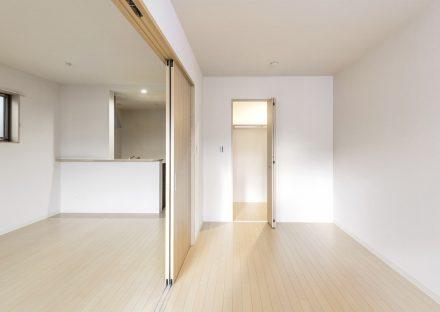 名古屋市中村区の木造3階建賃貸アパートのLDKと合わせて使える洋室