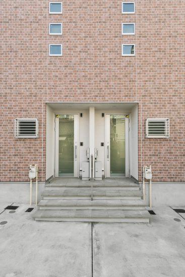 名古屋市瑞穂区の賃貸アパートのヴィンテージスタイルの玄関