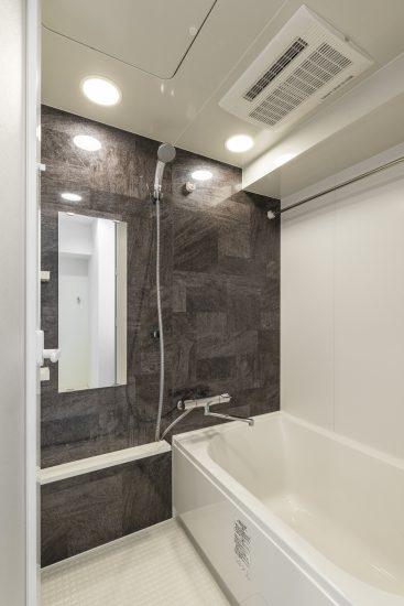 名古屋市西区の賃貸マンションの浴室乾燥の付いたバスルーム