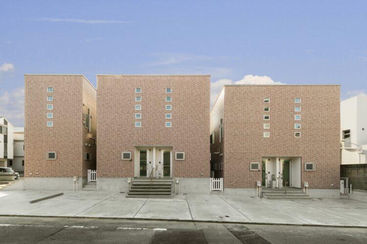 名古屋市瑞穂区のレンガ風の外観デザインの賃貸アパート