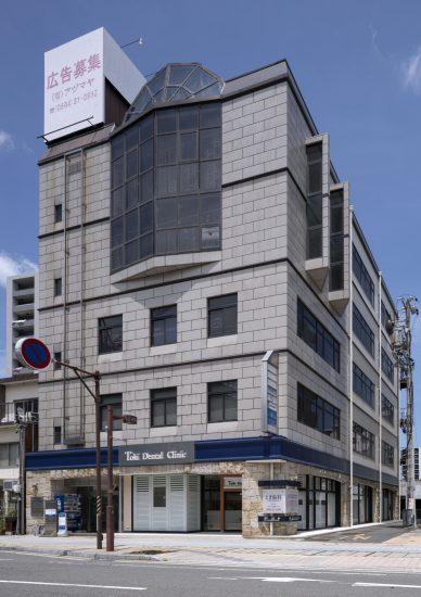 三重県桑名市の医療施設の建物全体