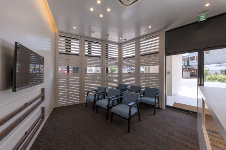 三重県桑名市の医療施設の待合室