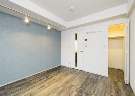 名古屋市中区のワンルーム賃貸マンションのアンティーク調の床のクローゼット付ワンルーム