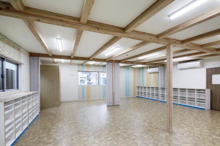 名古屋市天白区の保育施設のロッカー付の3・4・5歳児の保育室