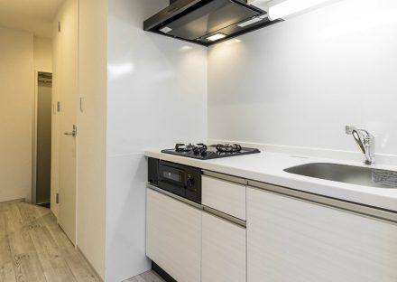 名古屋市中区のワンルーム賃貸マンションのガスコンロ2口付 広さのあるキッチン