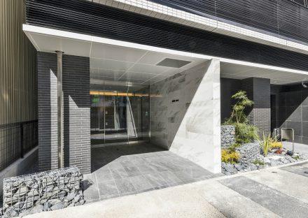 名古屋市中区のワンルーム賃貸マンション高級感のあるエントランス