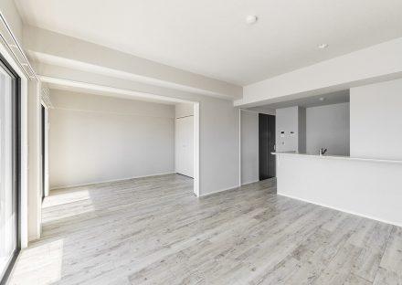 名古屋市名東区の賃貸マンションのLDKと洋室の物件写真