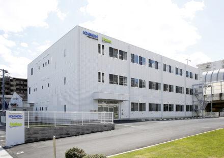 名古屋市天白区の事務所の駐車場付き鉄骨3階建て事務所の外観