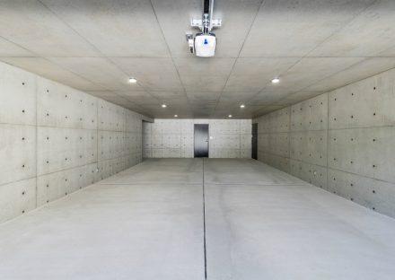 愛知県日進市の注文住宅の大空間のインナーガレージ