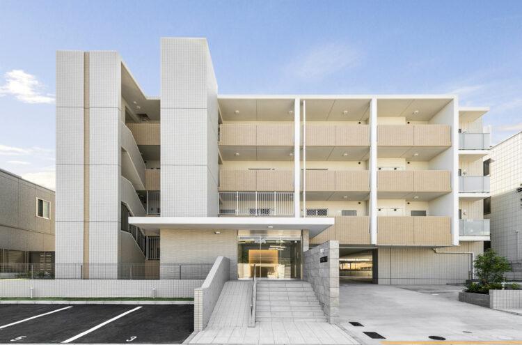 名古屋市名東区の賃貸マンションの駐車場付き鉄筋コンクリート4階建て賃貸マンション