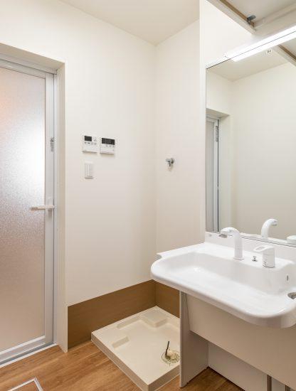 名古屋市北区の介護施設の車いすでも使いやすい洗面室