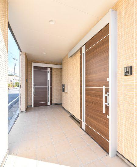 名古屋市北区の介護施設の共同生活施設の1階玄関