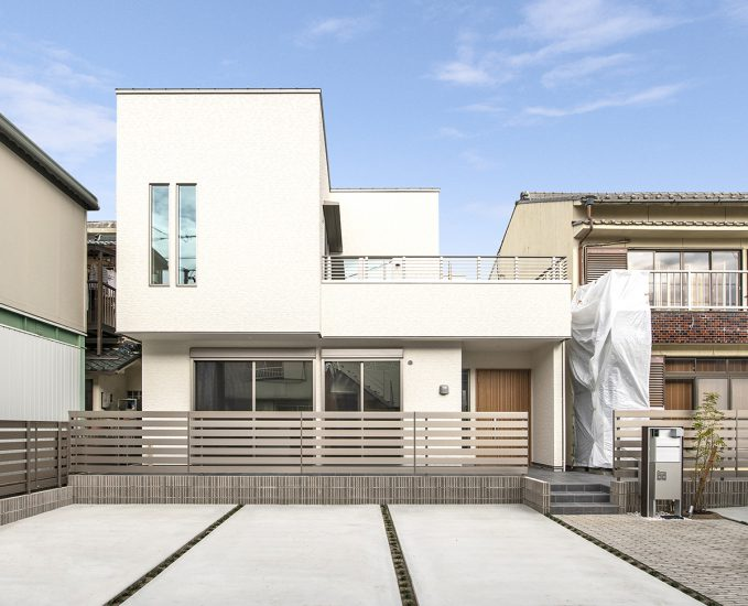 名古屋市北区の駐車場付きのスタイリッシュな注文住宅外観