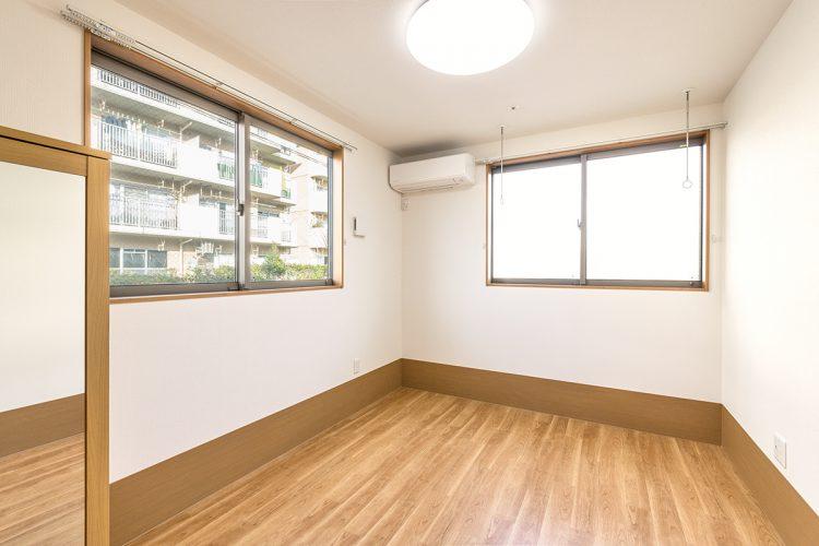 名古屋市北区の介護施設のエアコンの付いた明るい居室