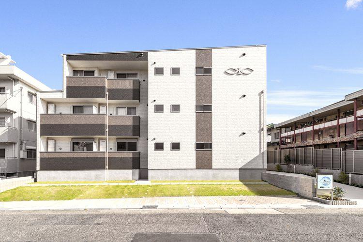 名古屋市名東区の木造3階建てアパートの外観デザイン