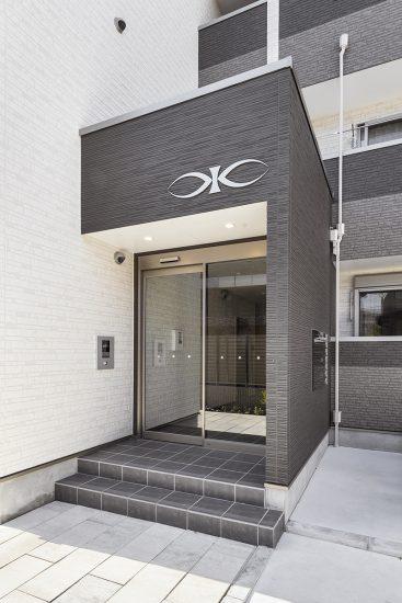 名古屋市名東区の木造3階建てアパートのオートロック付きのエントランス