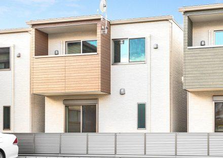 名古屋市天白区の戸建賃貸住宅のバルコニーのある南側外観
