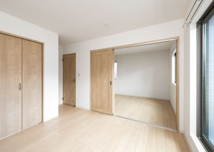 名古屋市天白区の戸建賃貸住宅の隣とつなげて使える洋室