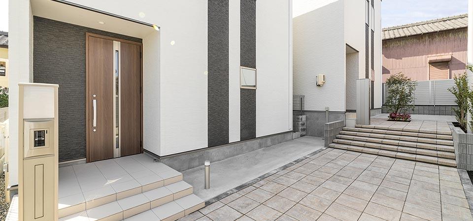 戸建賃貸住宅 玄関の新築写真