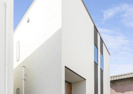 名古屋市名東区の戸建賃貸住宅のモダンな外観デザインの戸建賃貸住宅
