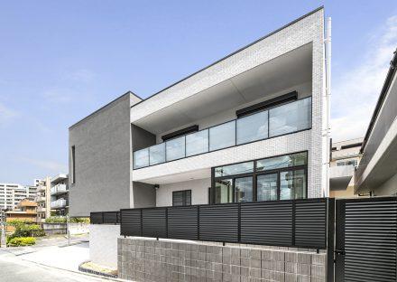 名古屋市昭和区の注文住宅のモダンでスタイリッシュな外観デザインの新築写真