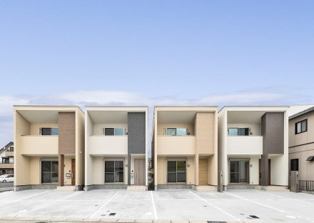 色違いの外観デザインの戸建賃貸住宅