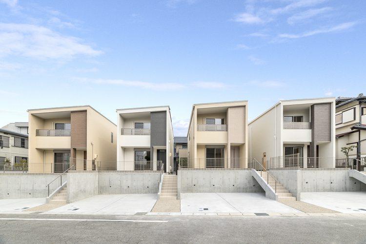 名古屋市名東区の戸建賃貸住宅の落ち着いた色づかいの4棟の戸建賃貸住宅の新築写真