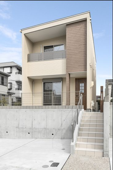 名古屋市名東区の戸建賃貸住宅の玄関アプローチ階段のある戸建住宅の新築写真