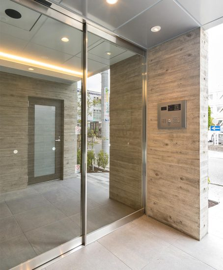 名古屋市中川区のオートロック付きのエントランスの新築写真