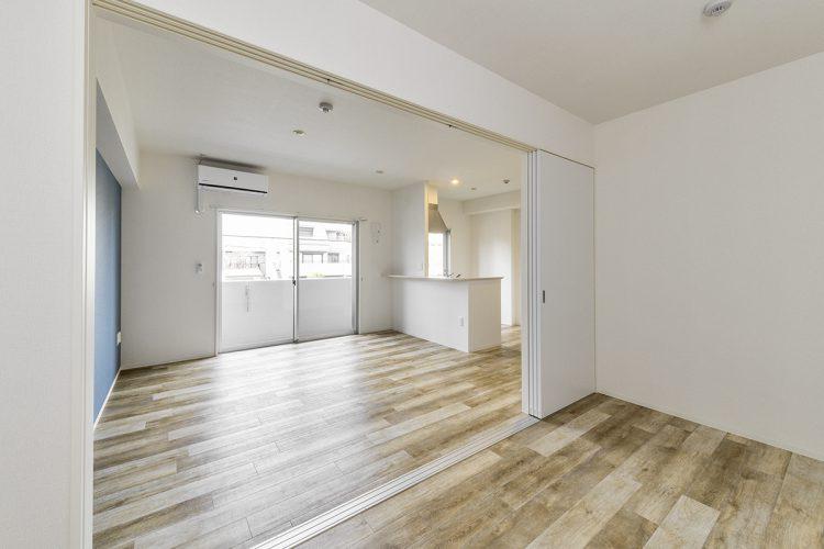 名古屋市中村区の木目の床がおしゃれなLDK+洋室の新築写真