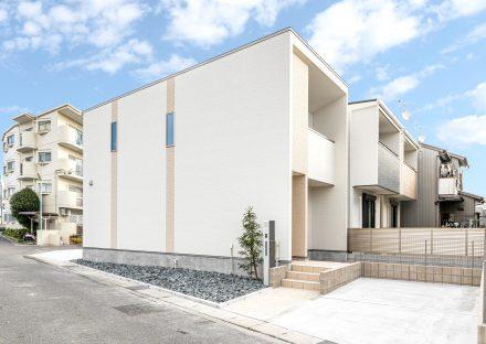 名古屋市北区の戸建賃貸住宅のナチュラルカラーの外観デザイン