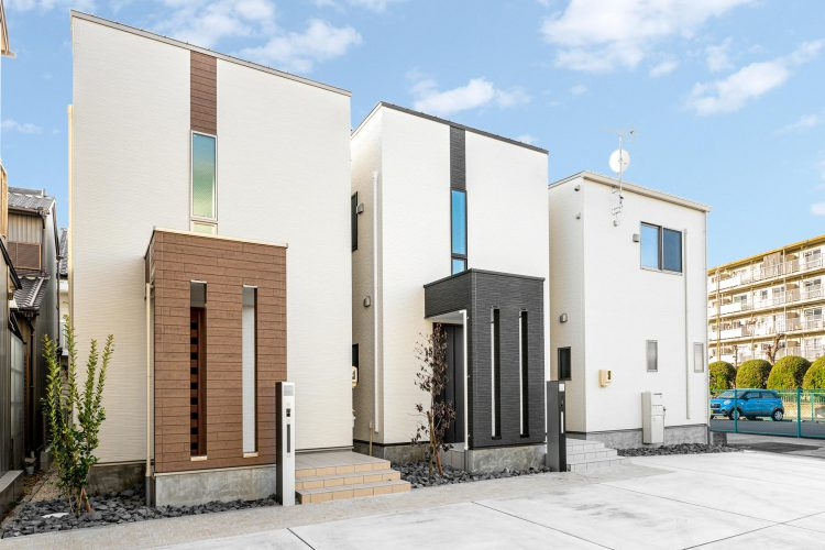 名古屋市北区の戸建賃貸住宅の色違いのモダンな外観デザイン