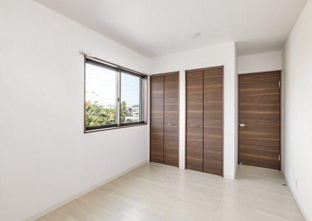 名古屋市名東区の戸建賃貸住宅の景色のいい2階洋室