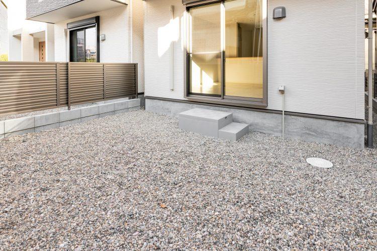 名古屋市北区の戸建賃貸住宅の砂利の庭