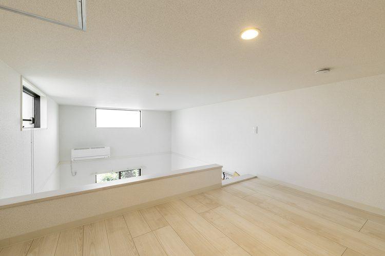 名古屋市中村区のロフト付き賃貸アパートのナチュラルテイストな明かるいロフト