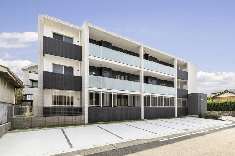 名古屋市名東区の3階建てモダンな外観デザインの賃貸マンション