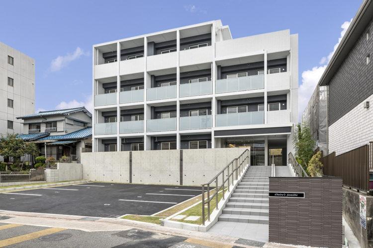名古屋市天白区の賃貸マンションの駐車場付きの4階建て賃貸マンション