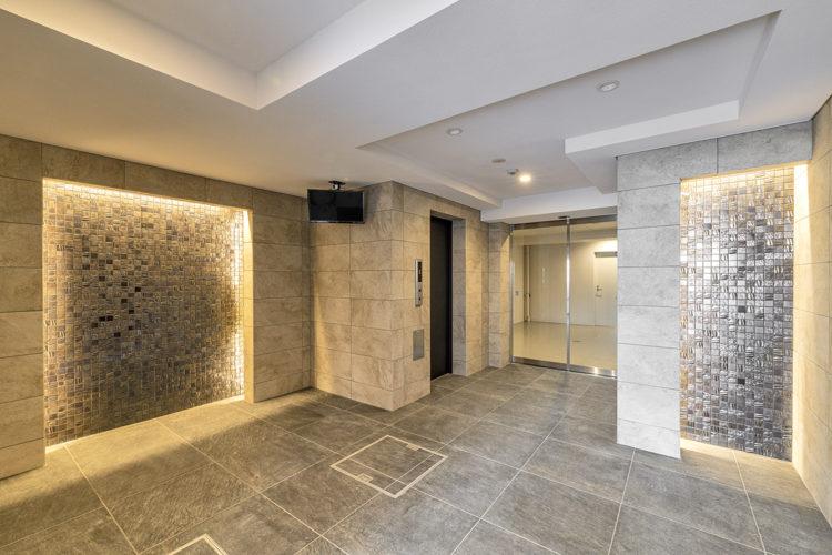 名古屋市東区の賃貸マンションの大空間のエレベーターホール