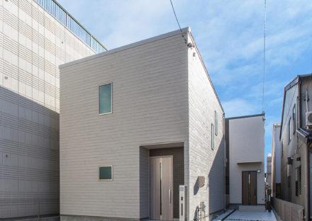名古屋市西区の戸建賃貸住宅のスクエア型のモダンな外観デザイン