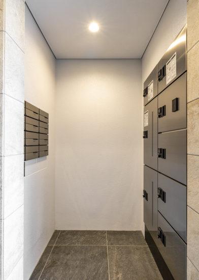 名古屋市東区の賃貸マンションの宅配ボックスとメールコーナー