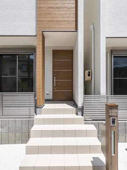 名古屋市天白区のモダンな外観デザインの戸建賃貸住宅の階段のある玄関アプローチ