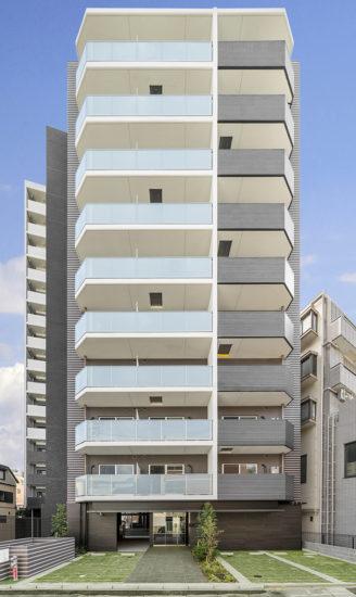 10階建てのモダンなデザインの賃貸マンション