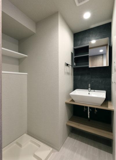 名古屋市千種区の賃貸マンションの棚付きのおしゃれな洗面